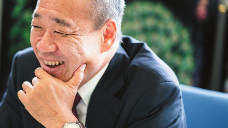 岡村久和 亜細亜大学 都市創造学部 教授 日本IBM に30年以上勤務し、国内・海外で数多くのスマートシティ プロジェクトに参画。海外ビジネスの第一線で長く活躍してきた経 験を活かし、同学の国際交流委員長も兼任している。