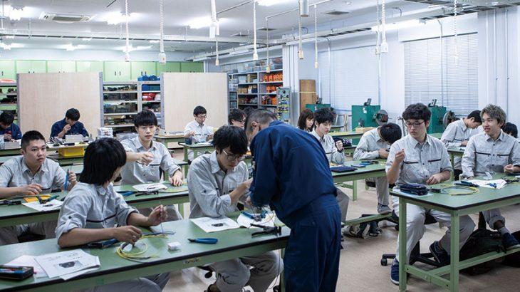 ものづくり系企業が注目する!職業能力開発総合大学校が、就職率100%を 達成し続ける理由