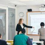 「国際社会科学部」からグローバルビジネスの舞台へ!—学習院大学
